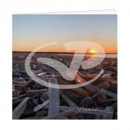 Wenskaart Schelpen op Strand bij Zonsondergang